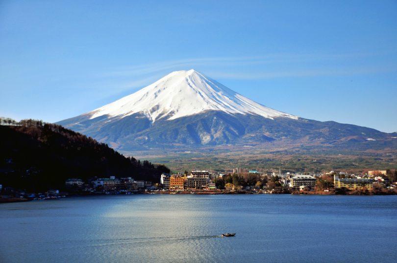12:00 ~ 13:00 - 富士河口湖町(周邊午餐)