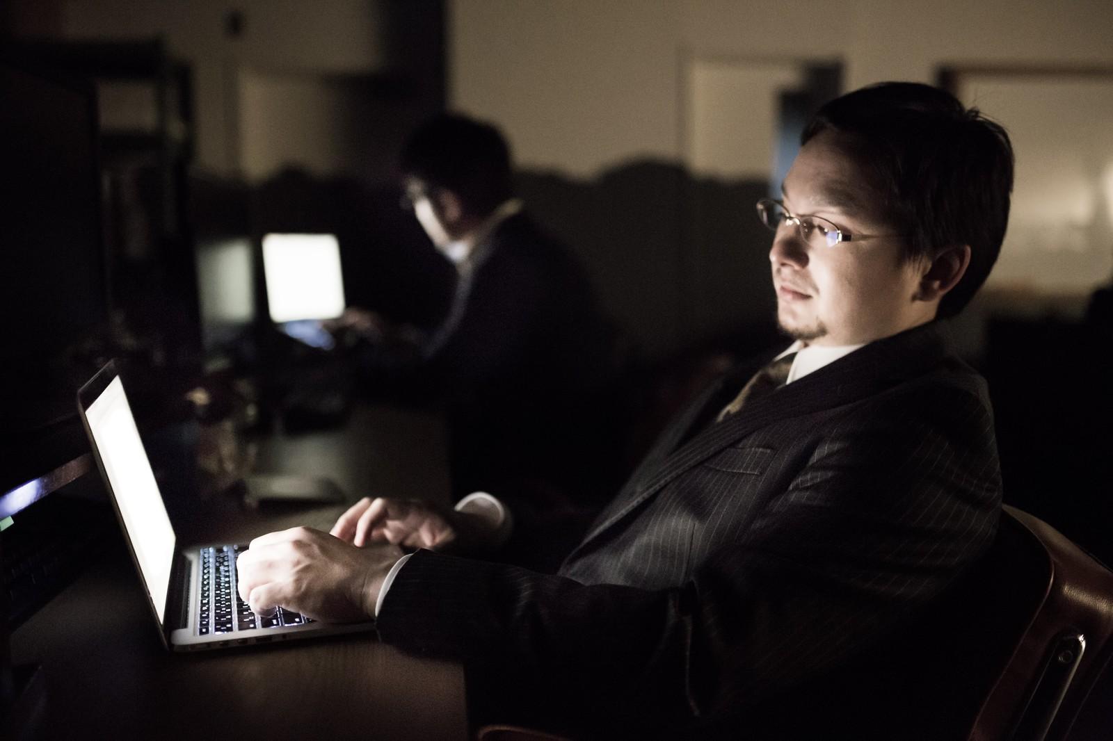 主要開放給外僑語來台工作者,申請自動通關。