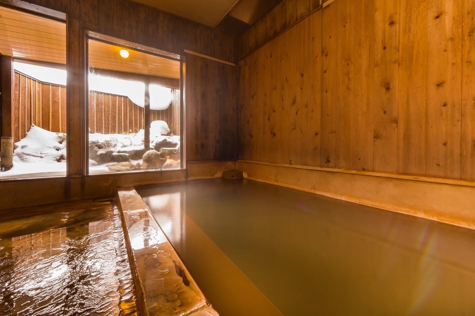 覺得粉溫暖の浴池